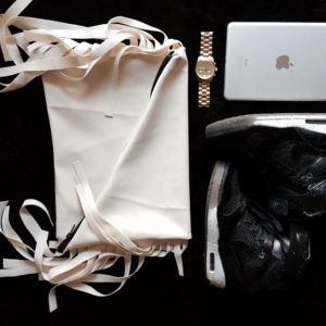 km-collection-garbage-roll-white-mapel-clutch